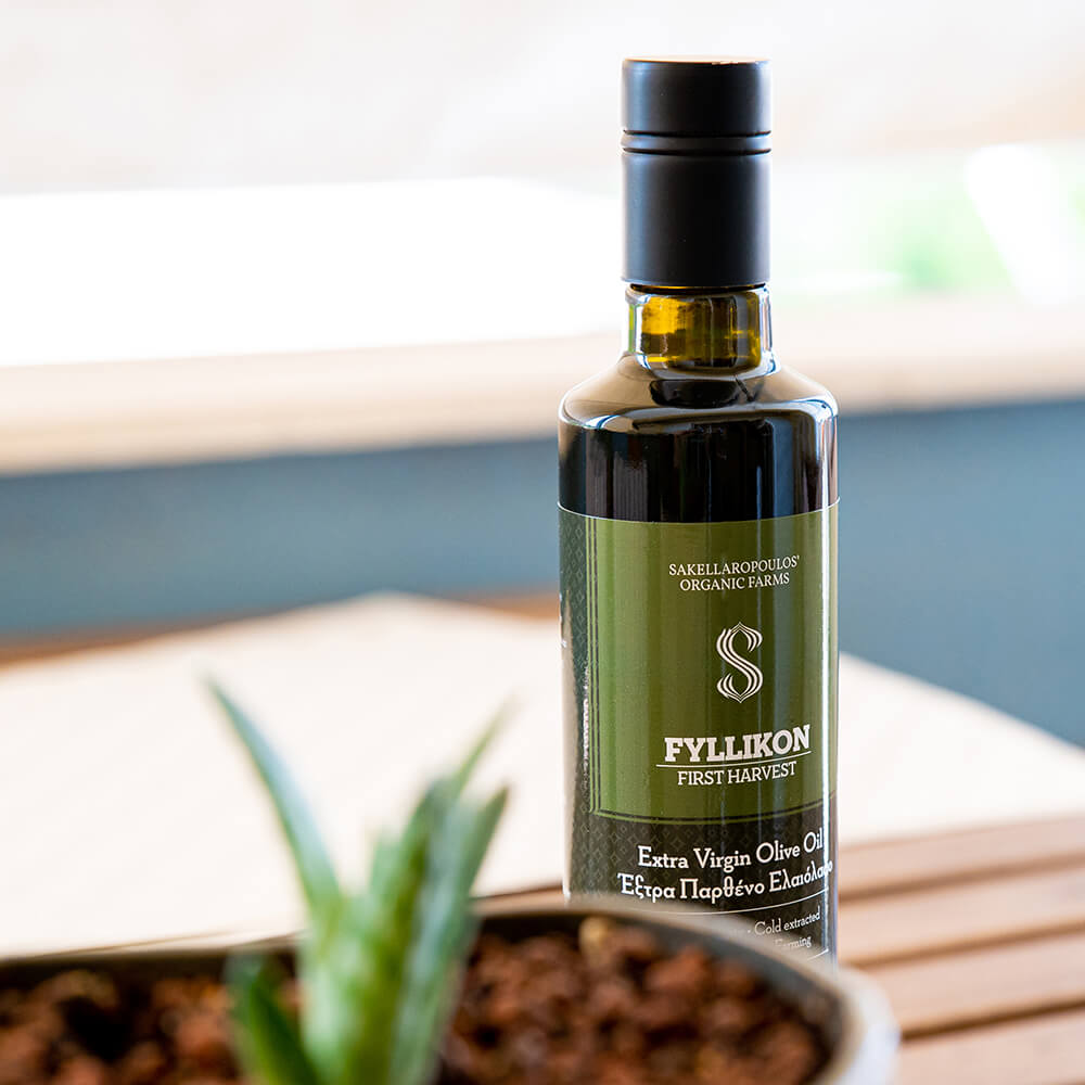Unripe First Harvest Organic Olive oil high phenolic fyllikon evoo