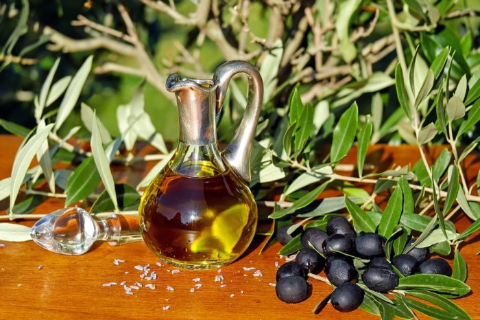 """Greek extra virgin olive oil """"Gemstone Blend Evoo"""" has been named number one in the world"""